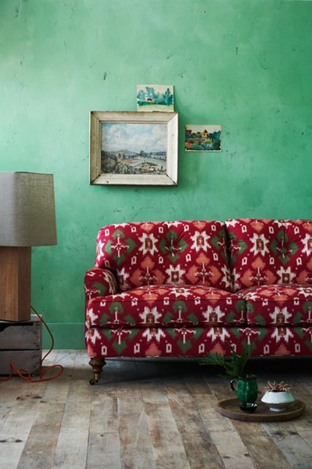 Sofa Sophistication</br><span>Coloured Couches & the Walls</br>that make them POP!</span>